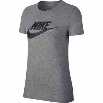 070b7fd8f137 10%. På lager. Nike Sportswear Essential Icon Futura T-shirt til kvinder